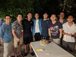 Em Trung cùng các anh đẹp trai